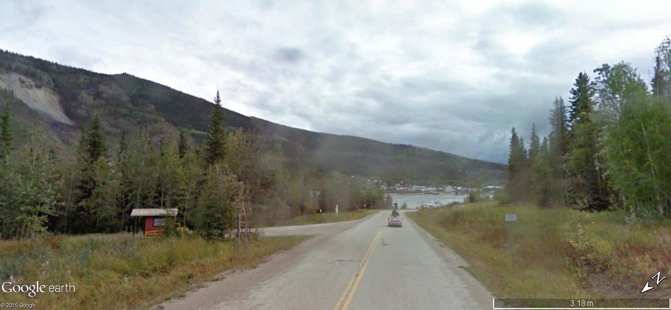 """""""Passe ton bac, d'abord"""". Un prolongement de la route sur le fleuve. Z13"""