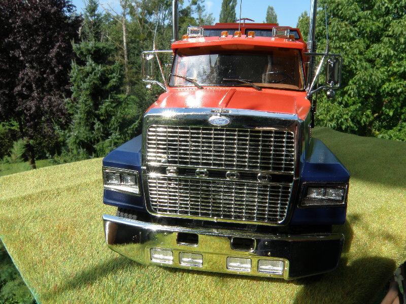 Ford LTL 9000 1:25 von Revell 00210