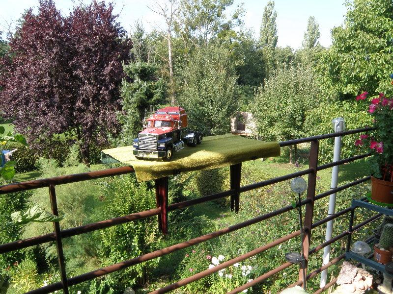 Ford LTL 9000 1:25 von Revell 01110