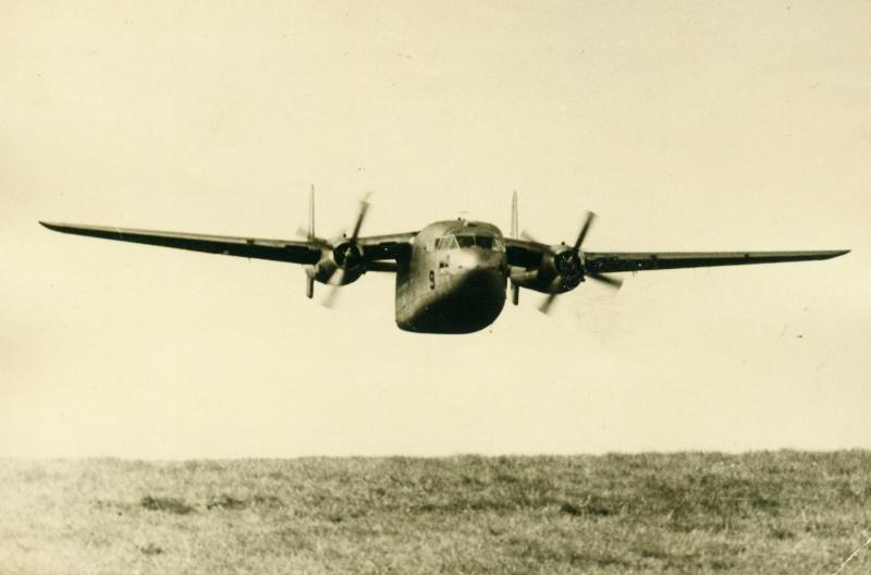 Parachutage de C119 en 1963. Serge_22