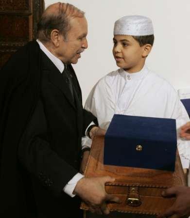 Abdelaziz Bouteflika - Page 2 N1922814