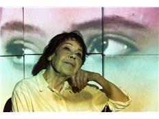 'Een geschiedenis', dansvoorstelling met 86-jarige Indische vrouw 10_86j10