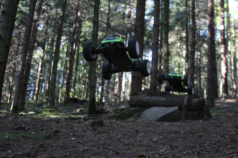 Mon nouveau jouet : Losi 8ight-T brushless - Page 2 Jump210