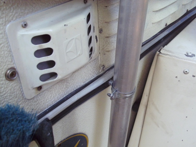 mâts d'antenne, exemples de fixation sur nos cagouilles Bild0810