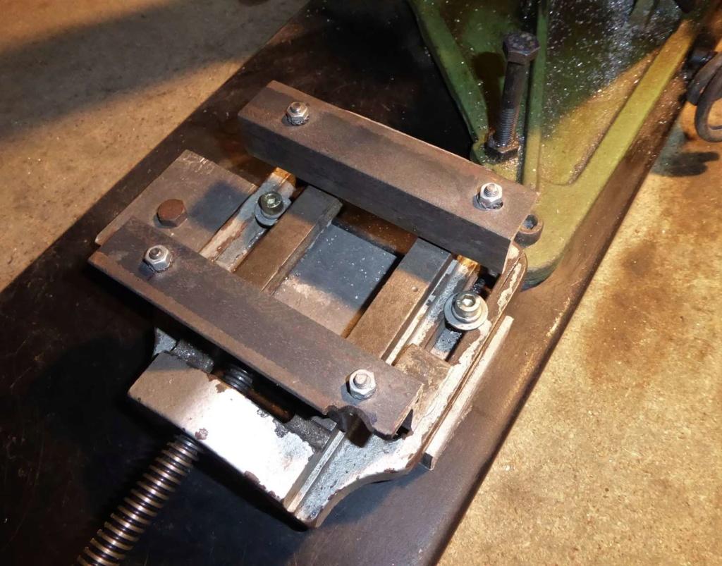 Améliorations de l'étau d'une scie à ruban à métal 610
