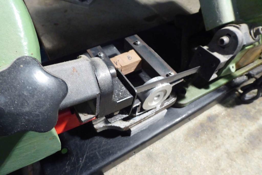 Améliorations de l'étau d'une scie à ruban à métal 810