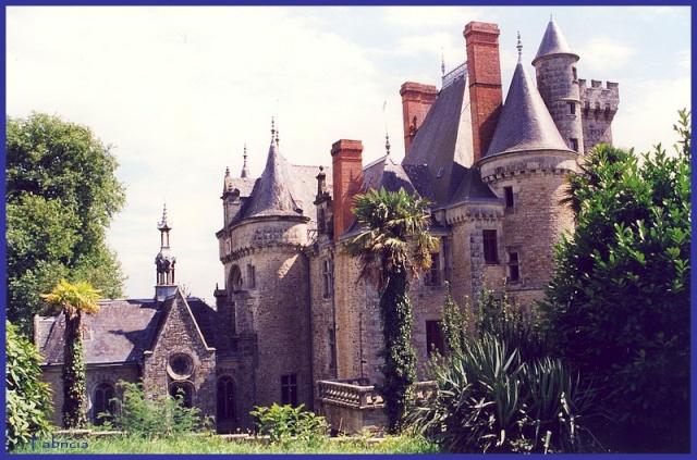 Monuments, gares, châteaux,... dans le monde Bretag11