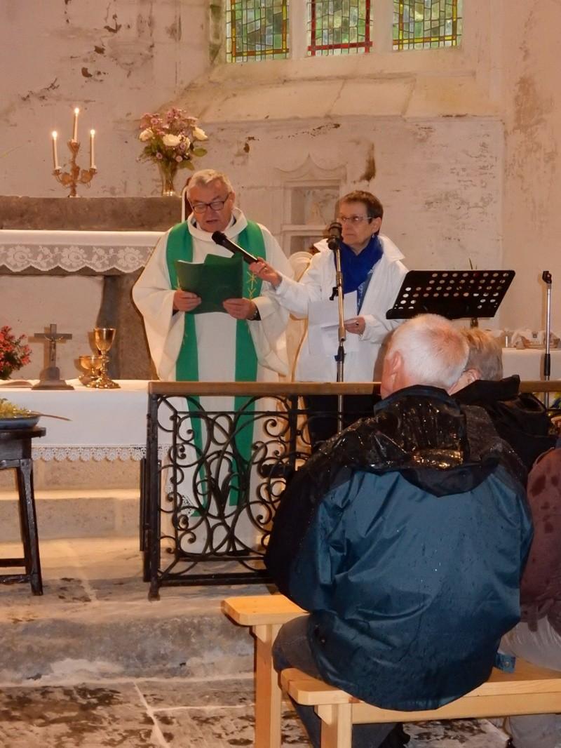 Planning des Messes et Pardons de l'Ensemble Paroissial Sant Mikêl (8 août au 20 septembre 2015)/ Pardon de ND de la Croix en Loqueffret Dscn1515