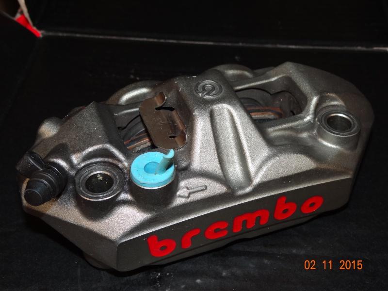 Entretien étriers monobloc brembo Dsc01510
