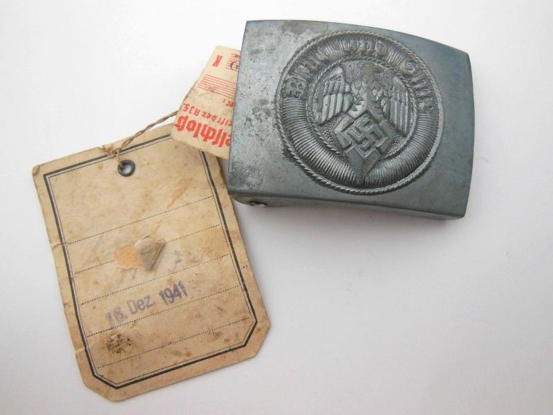 Boucle HJ (zinc) avec étiquette RZM et étiquette fabriquant- RZM M4/44  Dscn5915
