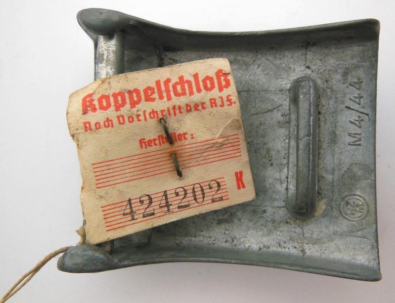 Boucle HJ (zinc) avec étiquette RZM et étiquette fabriquant- RZM M4/44  Dscn5917