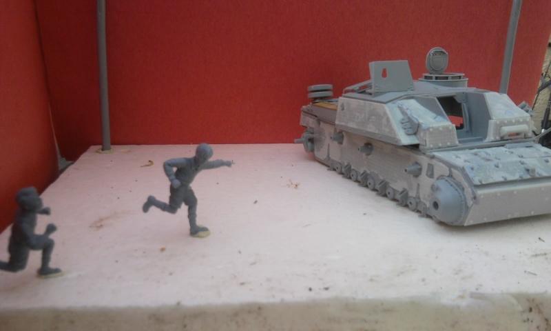STUG - Diorama : Hé!!! Vient voire fréro! 1:35ième Photo027