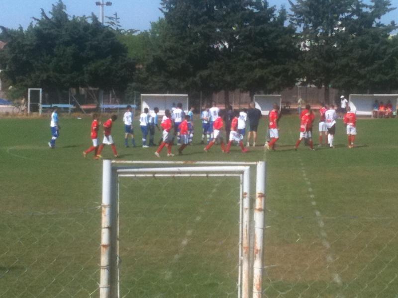 U15 honneur : Belle victoire 4-1 à nimes cheminots pour le dernier match de championnat Mai_2010