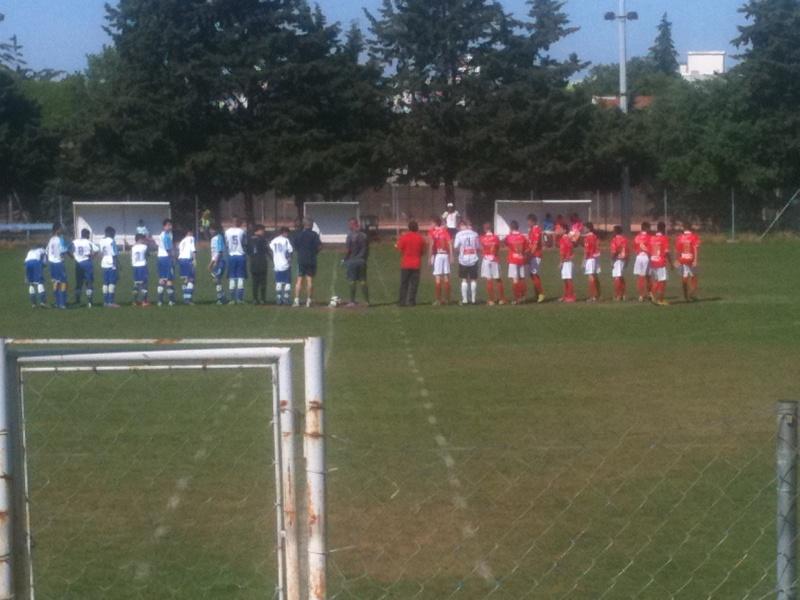 U15 honneur : Belle victoire 4-1 à nimes cheminots pour le dernier match de championnat Mai_2011