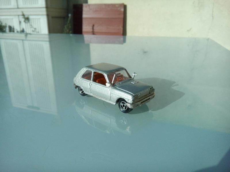 les ptites autos de romeo :) Img_2101
