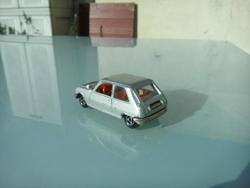 les ptites autos de romeo :) Img_2102
