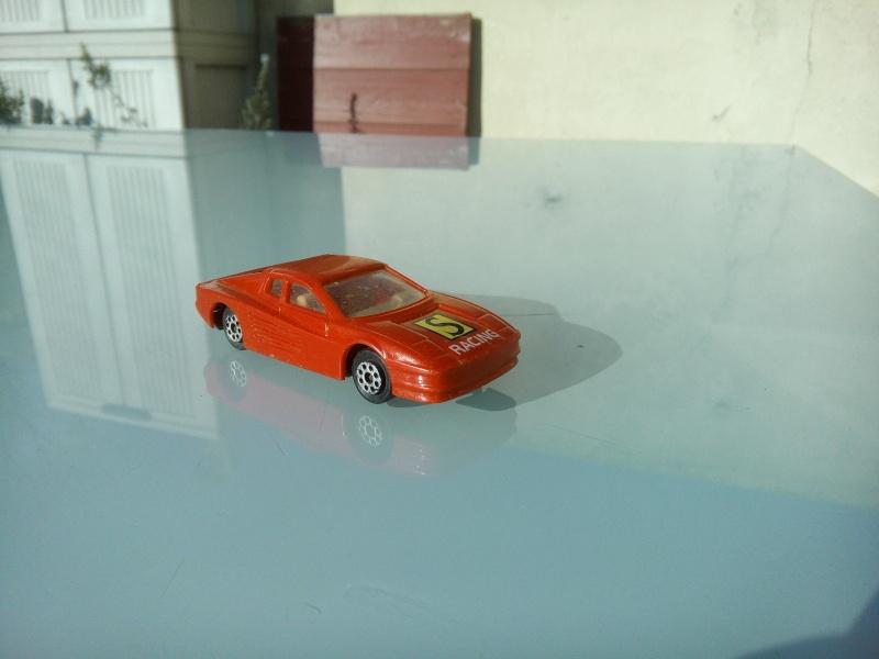 les ptites autos de romeo :) Img_2103
