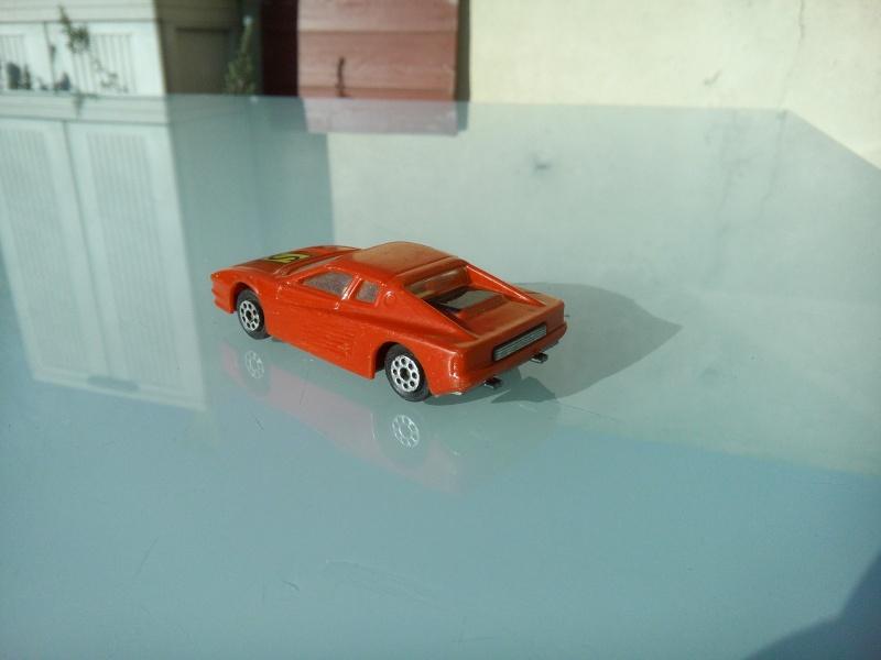 les ptites autos de romeo :) Img_2104