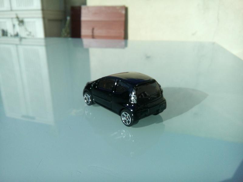 les ptites autos de romeo :) Img_2106