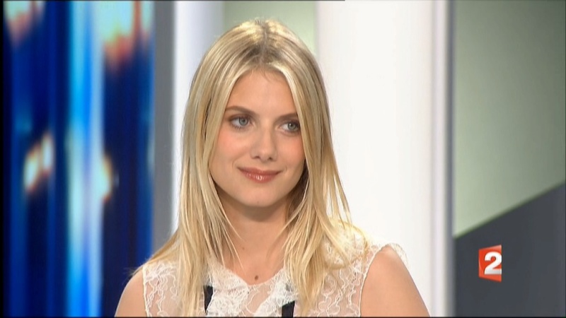 [Vidéo] Mélanie Laurent, J.T. et Télématin (FR2 - 25/04/2011) Melani10