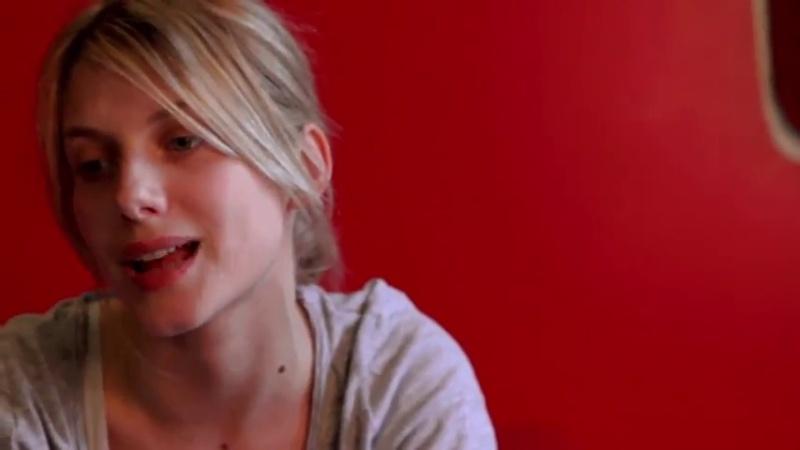 Mélanie Laurent - Les coulisses de l'album (En t'attendant !) Vlcsna45