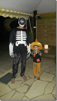 Halloween 2015. Et pour vous ??? Ce sera, quoi ?! 10726410