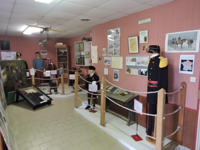 Musée de la Paix à Semur en Vallon ( 72). Dscn5162