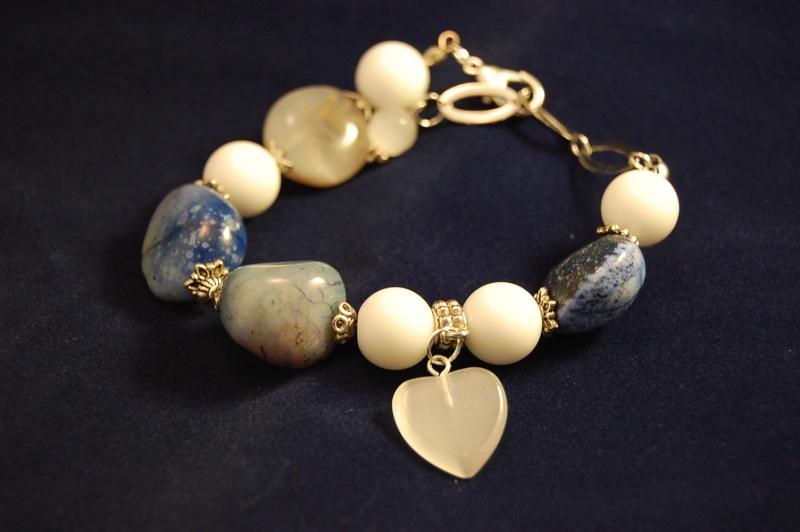 des bracelet en pierres Dsc_1010