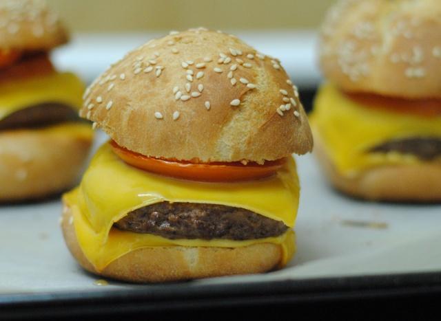 Montrez-nous... vos petits plats ! - Page 6 Burger10