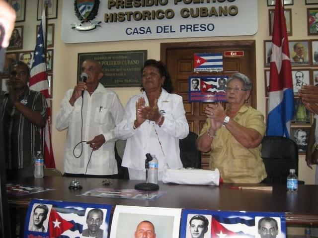 Homenaje a Reina Luisa Tamayo en la Casa del Preso  ***  Sabado 18 de Junio, 2011 Reina15