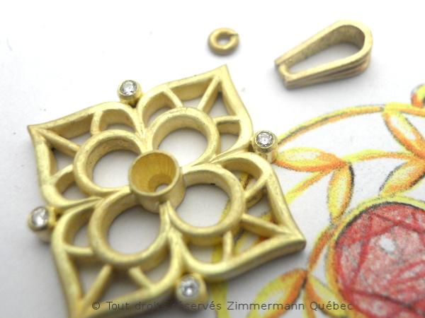 Fleur ajourée, rubis et diamants Dscn8017