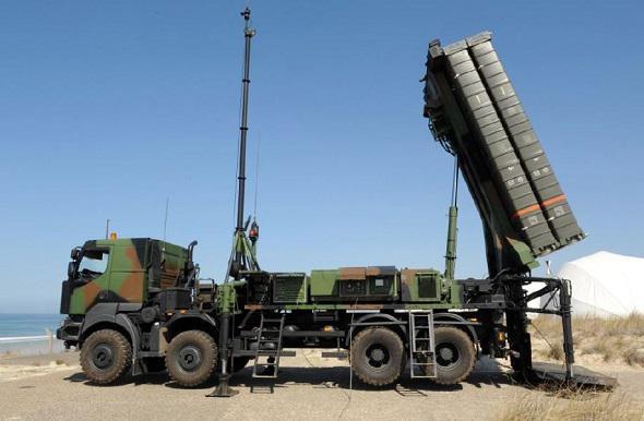 Le système de défense aérienne franco-italien SAMP/T distingué Mamba-10