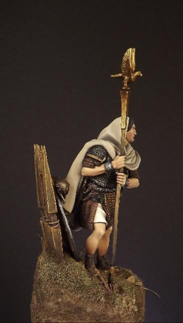 54mm Roman Aquilifer 1stC AD 007ab10