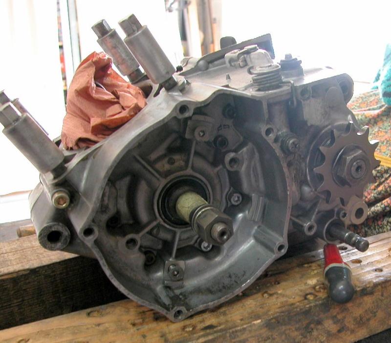 Nouveau moteur pour le 125 Dscn0311