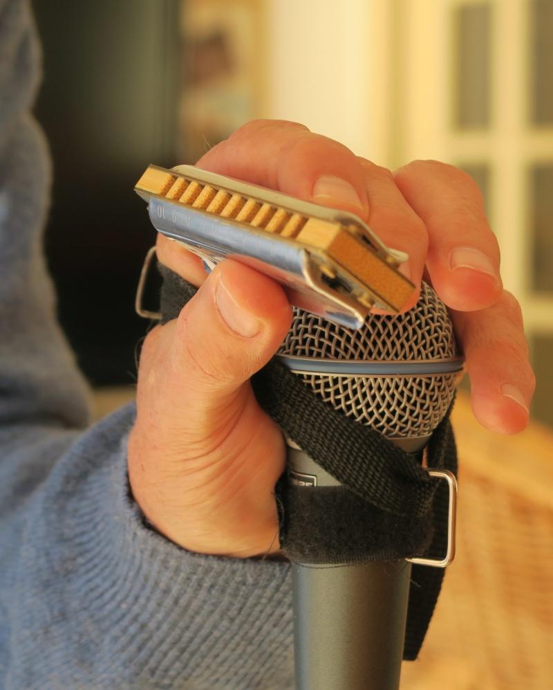 Un truc pour la tenue du micro en main Img_1512