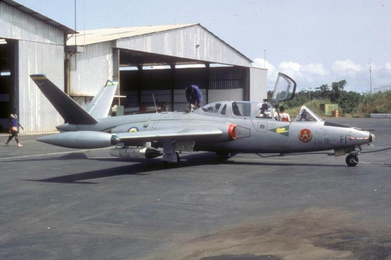 FOUGA au Gabon Cm-17010