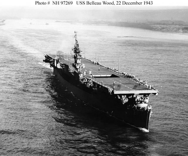 Les porte-avions americains - Page 4 72071u10