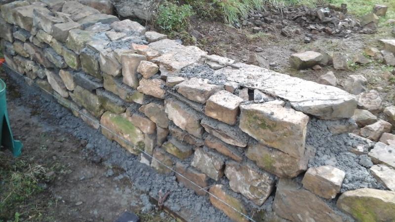 Construction muret en pierre 20150917