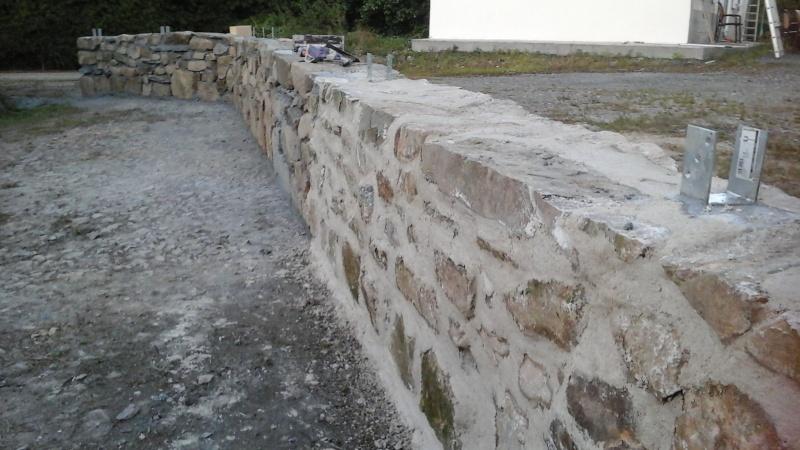 Construction muret en pierre 20150919