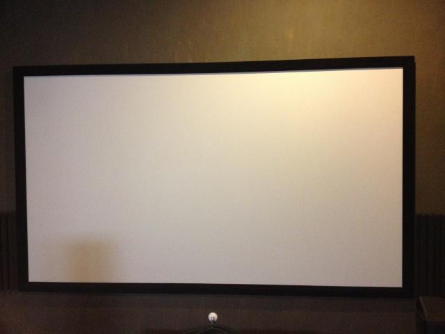 Mitsubishi Projectors HC6800 + 92' fix screen (Sold) Img_7211
