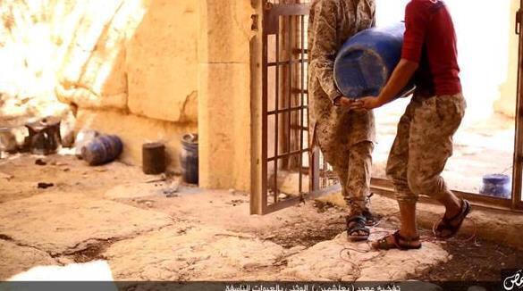 Palmyre - Syrie - Page 2 Palmyr11
