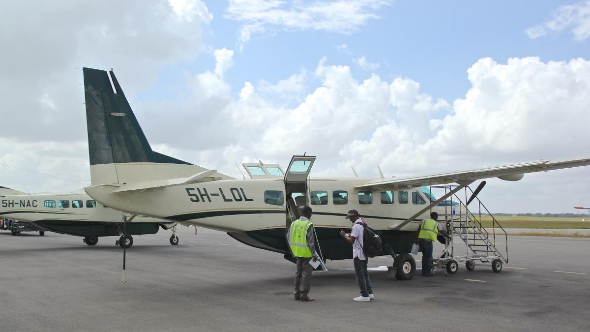 Vols de brousse en Tanzanie .     Img_4510
