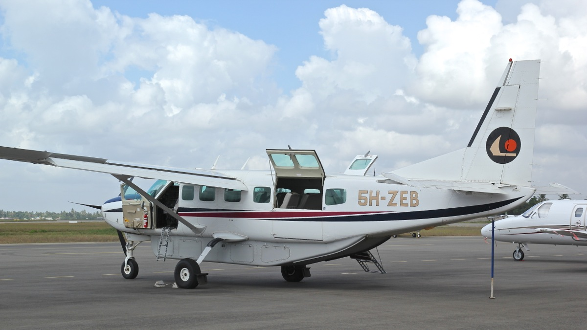 Vols de brousse en Tanzanie .     Img_4511