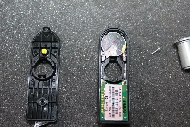 Changement de pile capteur de pression Pneu Img_0810