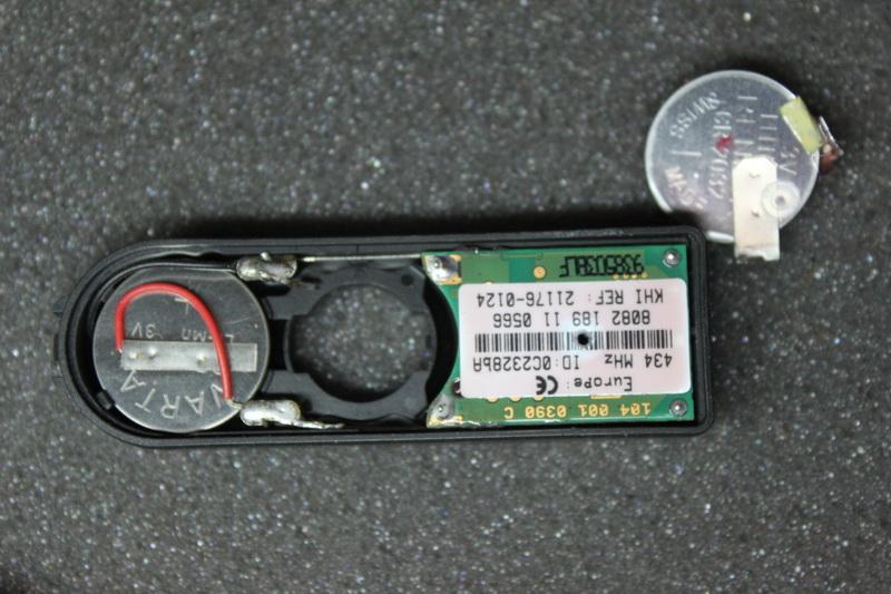Changement de pile capteur de pression Pneu Img_1210