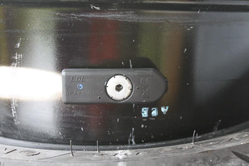 Changement de pile capteur de pression Pneu Img_4210