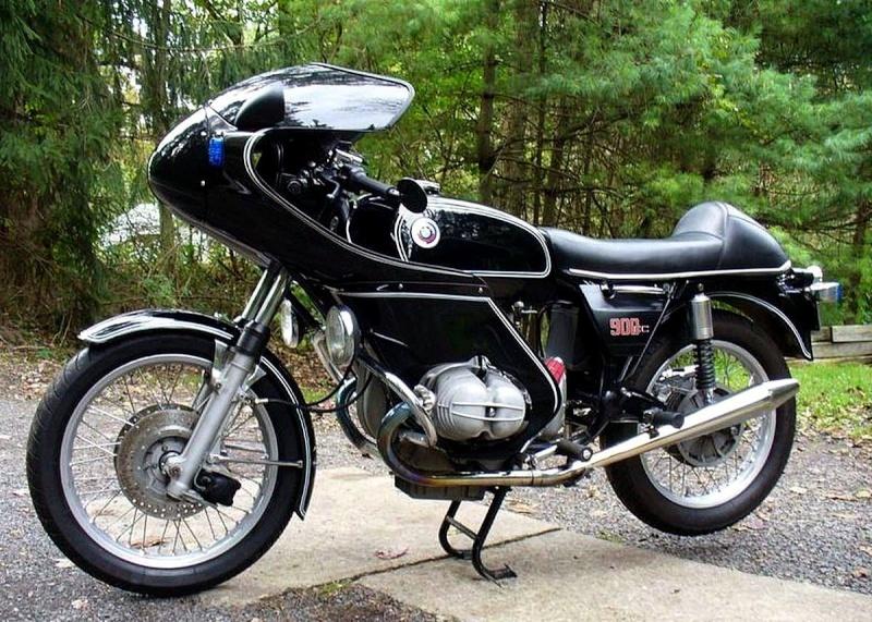 C'est ici qu'on met les bien molles....BMW Café Racer - Page 36 11952910