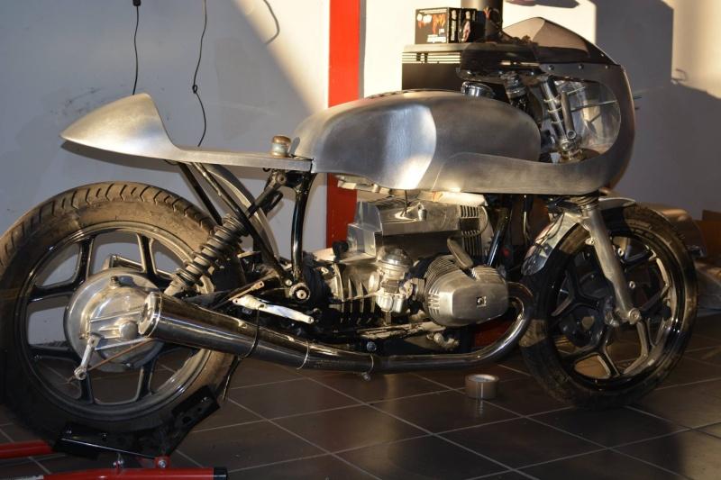 C'est ici qu'on met les bien molles....BMW Café Racer - Page 36 12000910