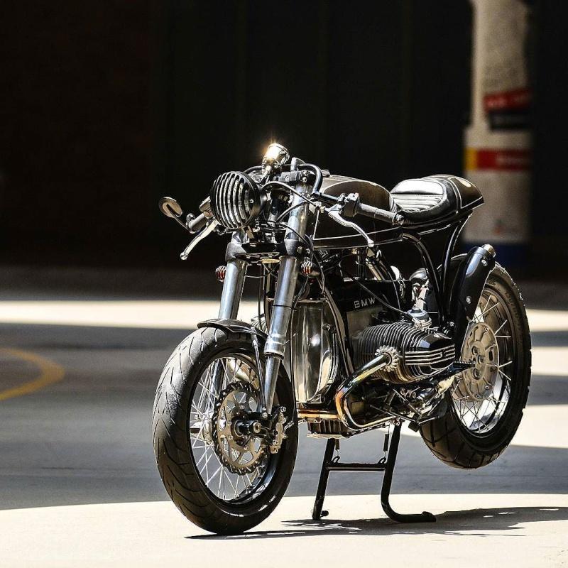 C'est ici qu'on met les bien molles....BMW Café Racer - Page 37 Tumblr48
