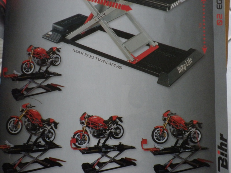 TABLE ELEVATRICE MOTO CARROUF 199 €  juin 2007 - Page 3 P5010417